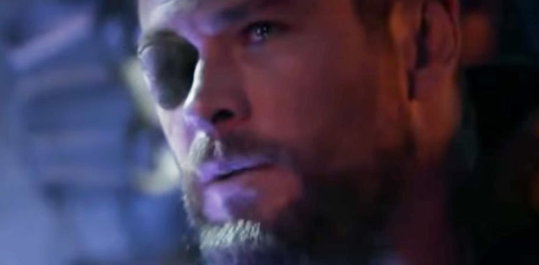 Тор оплакивает смерть Локи