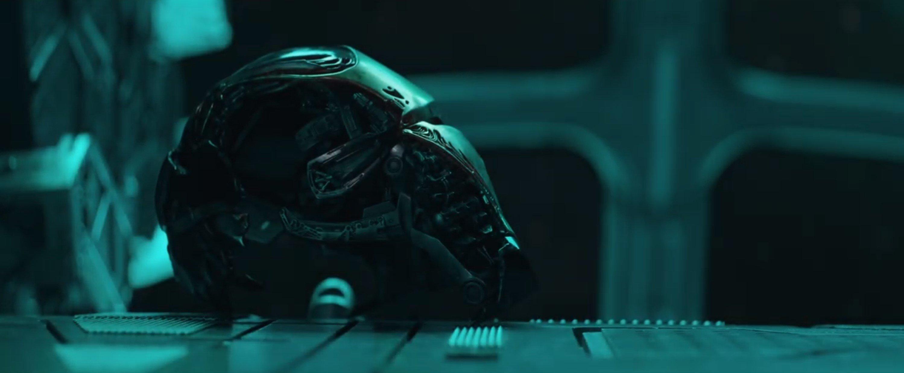 Мстители: Финал. Шлем Железного Человека