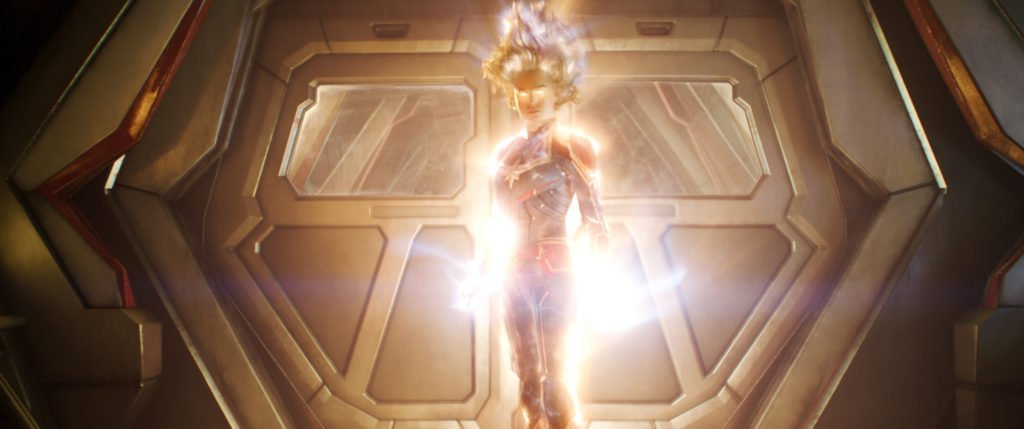 Капитан Марвел (Бри Ларсон) кадр из фильма Капитан Марвел 2019