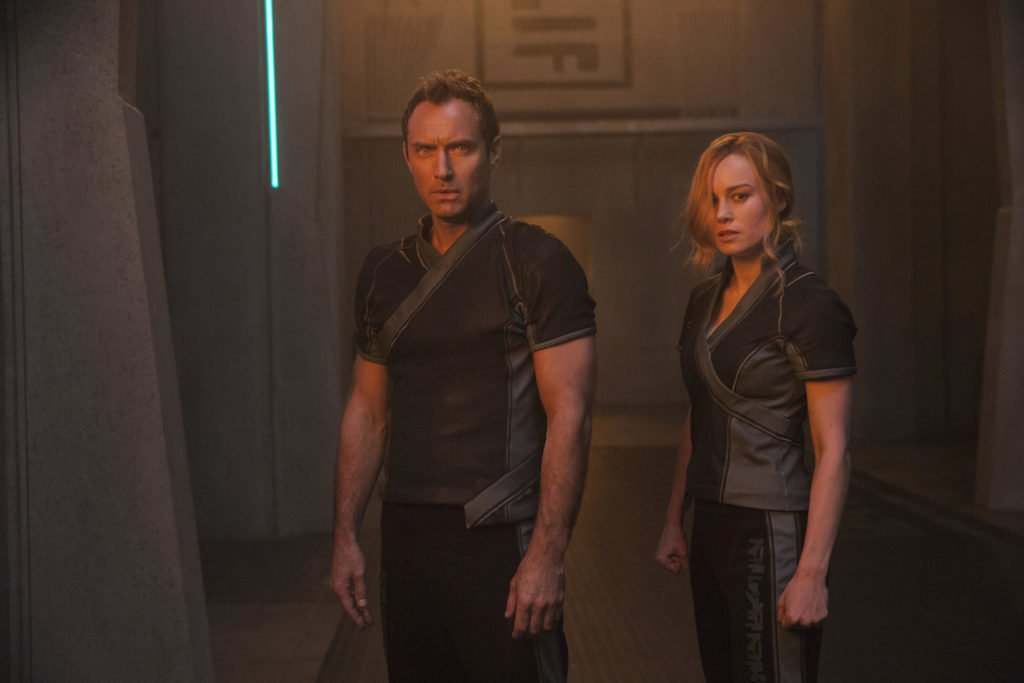 Лидер Старфорс и Капитан Марвел кадр из фильма Капитан Марвел 2019