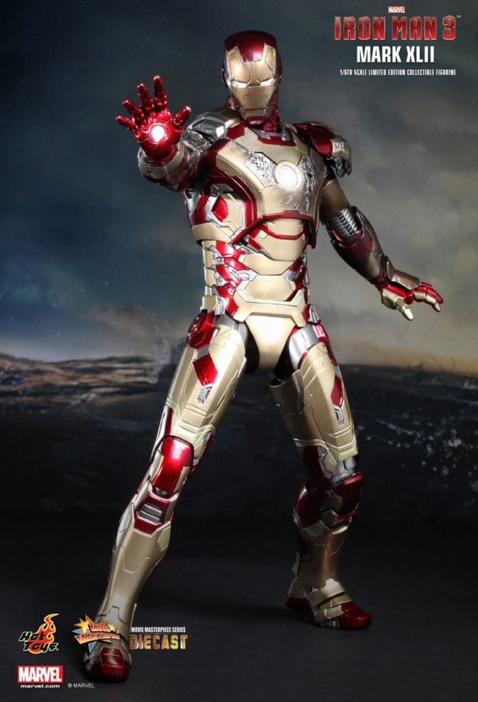 Iron Man Mark XLII Armor © Hot Toys Limited