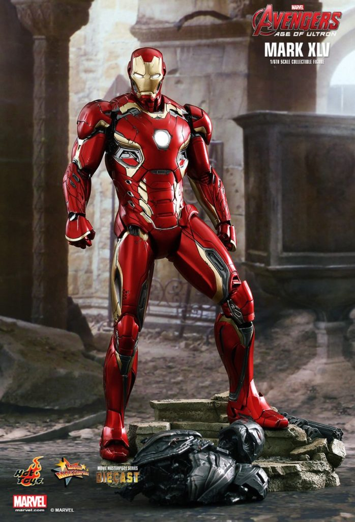 Iron Man Mark XLV Armor © Hot Toys Limited