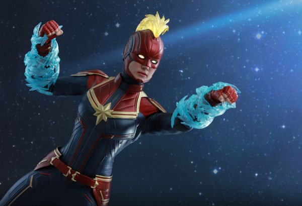 Капитан Марвел Hot Toys